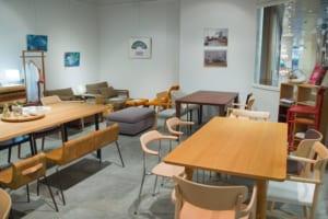 Khám phá bàn ghế cafe khung sắt mặt gỗ