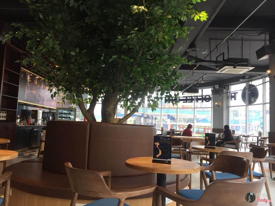 Bàn ghế cafe tại quán the coffee inn