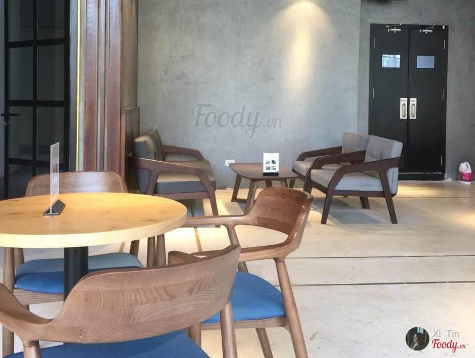 Khi mua ghế cafe gỗ cao su bạn cần lưu ý những gì?